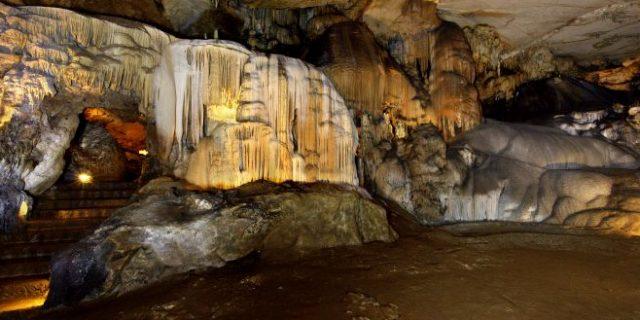Puente Viesgo y las cuevas del Monte castillo